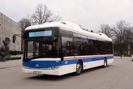 Solaris enda elbuss i Sverige går idag i trafik i Västerås, men företaget räknar med en snabb tillväxt på elbussmarknaden. Foto: Ulo Maasing.
