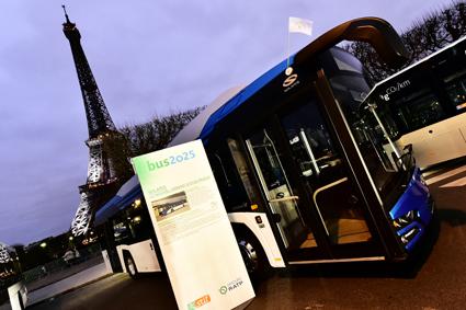 Solaris lämnade över nya Urbino Electric till lokaltrafiken i Pris, väl tajmat med klimatmötet COP21 i staden. Foto: Solaris.