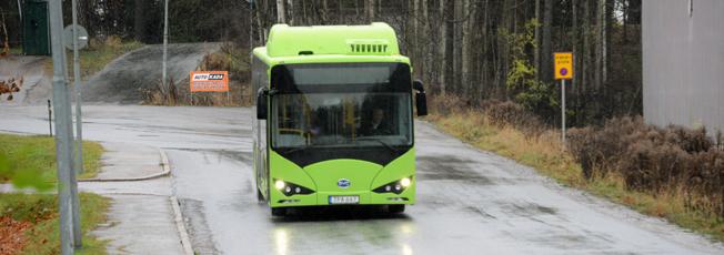 Den 30 januari blir två av stadsbusslinjerna i Ängelholm helt elektriska, den tredje delvis elektrisk. Då sätts batteribussar från BYD in i trafiken. Foto: Ulo MAasing.