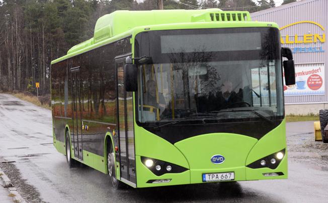 För första gången återfinns den kinesiska elbusstillverkaren BYD i statistiken över nyregistrerade tunga bussar i Sverige. Foto: Ulo Maasing.