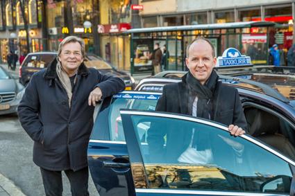Nuvarande vd:n i Cabonline Group (f d Fågelviksgruppen) Ole Oftedal (till vänster) blir gruppens styrelseordförande och Thomas Ekman tar i april över som vd för taxijätten.