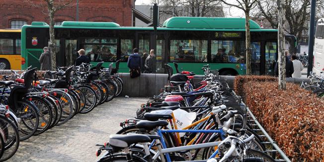 Bussresandet ökar kraftigt i Lund medan färre Lundabor cyklar. Foto: Ulo Maasing.