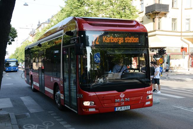 En biodieselhybridbuss i Stockholm. Svensk bussbransch har en tätposition i landet när det gäller att åstadkomma en fossilfri fordonsflotta. Foto: Ulo Maasing.