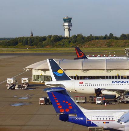 Bryssels flygplats storinvesterar i elbussar. Foto: Ed Malekens/Wikimedia Commons.