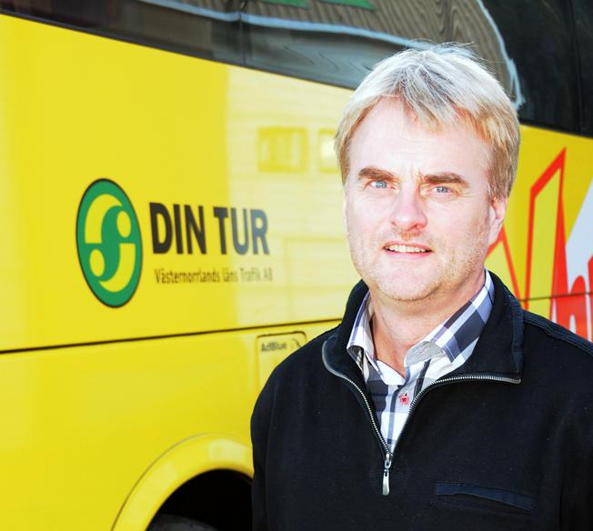Prisade för fossilfrihet: Tomas Byberg vid bussföretaget Byberg & Nordin tillsammans med Härnösands kommun. Foto: Ulo Maasing.