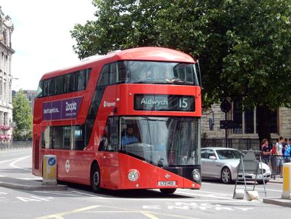 Kontaktlösa bank- och kontokort har fått ett stort genombrott i kollektivtrafiken i London. Foto: Ulo Maasing.
