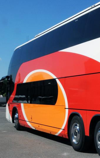 Nu kan man hålla koll på om ÖstgötaTrafikens expressbussar är i tid eller inte. Foto: Ulo Maasing.