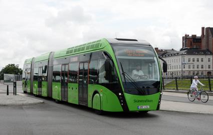 Om regeringens transport- och klimatpolitiska mål ska kunna nås är det nödvändigt med en kraftigt utökad busstrafik, inte minst på BRT. Det skriver Sveriges Bussföretag till regeringen. Foto: Ulo Maasing.