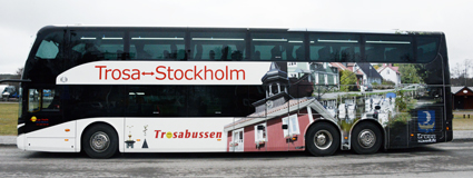 Exteriört är bussen något av en rullande turistbyrå för Trosa. Foto: Ulo Maasing.