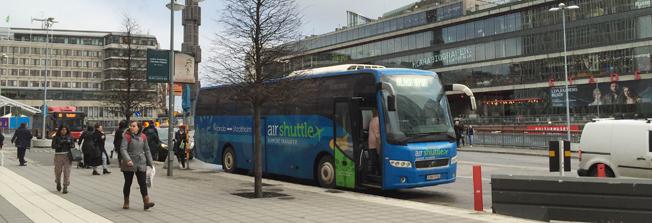 KD-politiker kritiserar Air Shuttles sätt att lägga ner trafiken. Foto: Ulo Maasing.