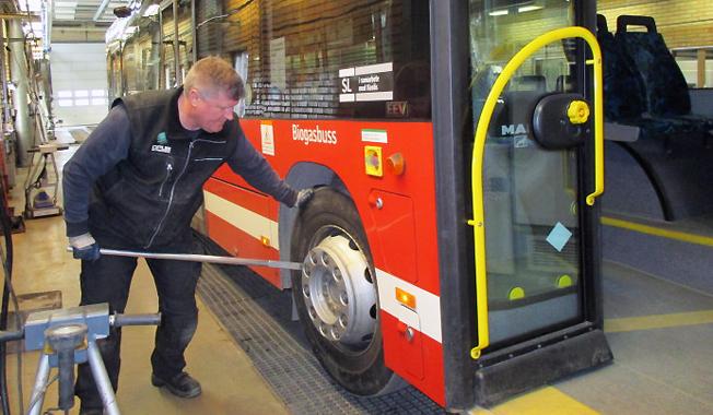 Aldrig förr har så många tunga bussar godkänts utan anmärkning vid den obligatoriska kontrollbesiktningen.