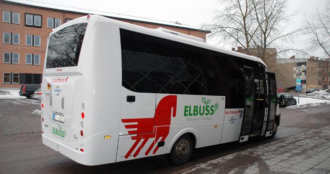 Dalatrafiks första elbussar har en speciellt framtagen profil. Bussarna är byggda av Rosero på Ivecochassier. Foto: Paula Isaksson.