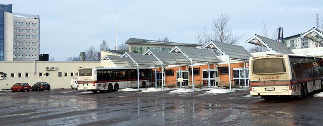Busstationen i Borlänge. Falun och Borlänge ska banta busstrafiken med 23 miljoner på årsbasis från i höst. Foto: Ulo Maasing.