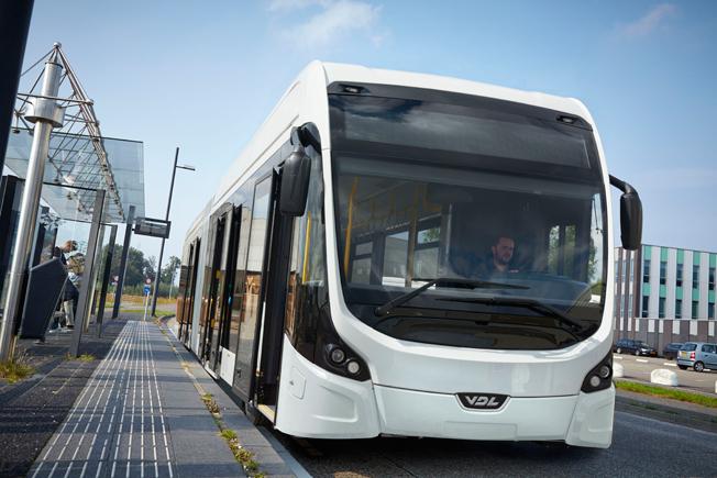 VDL:s ledbuss Citea i eldrivet BRT-utförande. VDL är en av de busstillverkare som går samman för en gemensam standard på laddinfrastruktur för elbussar. Foto: VDL.