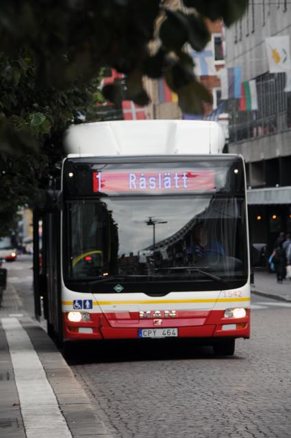Stombusslinje 1 i Jönköping kan göras om till en BRT-linje som kan komma att trafikeras med 24-meters trådbussar. Foto: Ulo Maasing.