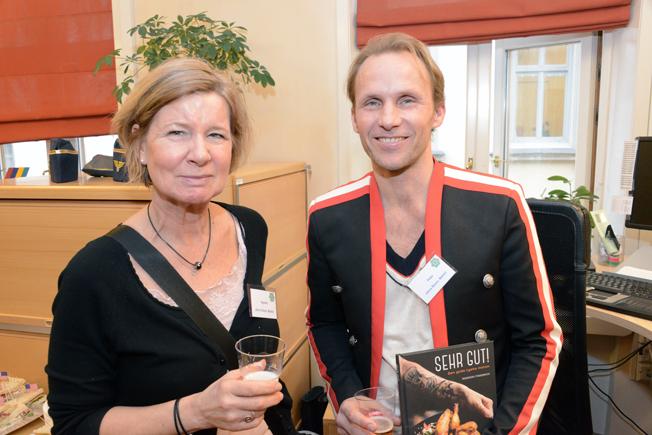 Från Jörns Resor fanns Agneta Pettersson Studeny och Peter Olséni på plats i vimlet.