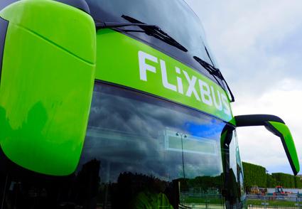 Den 28 april börjar den tyska expressbussjätten FlixBus köra trfik mellan Malmö och Stockholm respektive Göteborg. Företaget bekräftar nu att man avser att starta fler linjer i Sverige och mellan Sverige och utlandet. Foto: FlixBus.