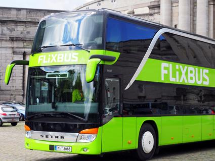 Den tyska expressbussjätten Flixbus börjar i slutet av april köra inrikestrafik i Sverige. Företaget är störst på den tyska marknaden och har expanderat aggressivt internationellt. Foto: Flixbus.