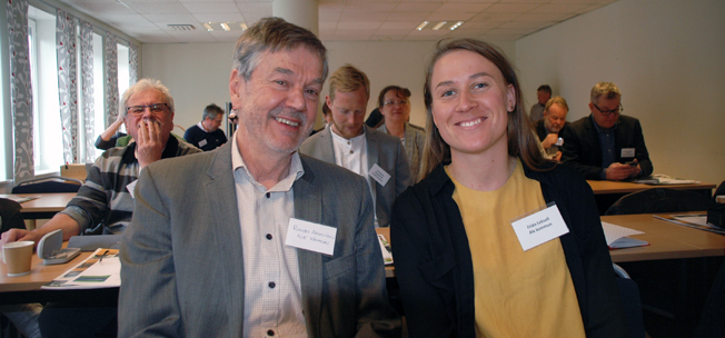 Robert Aronsson, ETC Battery, och Frida Leksell, Ale kommun, berättade på konferensen om Ales elbuss.