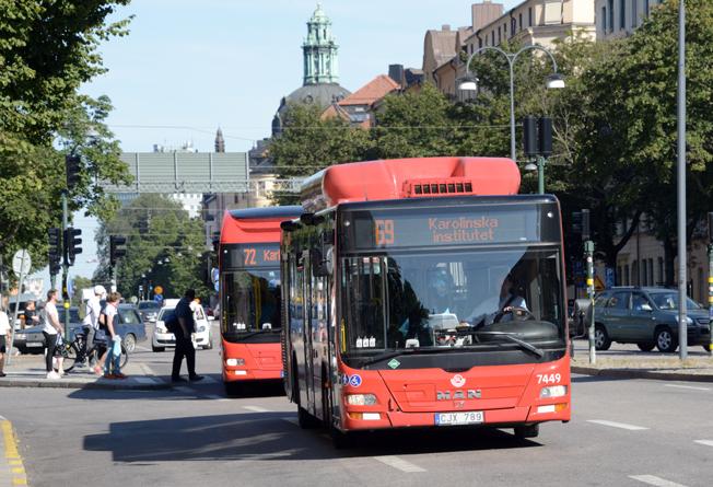 Tätare turer och snabbare resor står högt på önskelistan bland dem som reser med kollektivtrafiken i Stockholms län. Foto: Ulo Maasing.