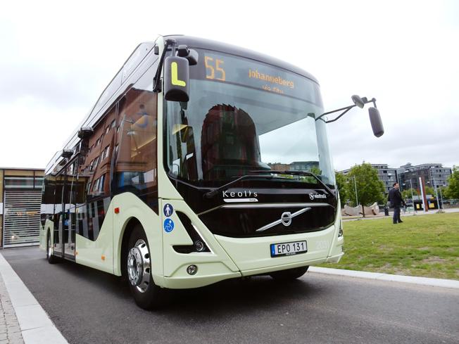 En elbuss på linje 55 i Göteborg. 2030-sekretariatet riktar kritik mot regeringens förslag till ebusspremie. Foto: Ulo Maasing.