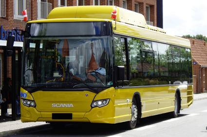 Tide Trafik Danmark har köpt 17 Scania gasbussar som ska köras på naturgas. Bussarna ska gå i stadstrafiken i Silkeborg. I gengäld köper kommunen certifikat för motsvarande mängd certifierad biogas. Foto: Scania.
