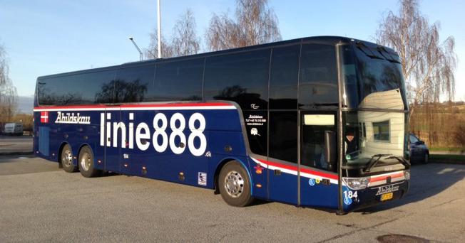 Danska Abildskous expressbusslinje 888 kopplas samman med Swebus´ trafik till Danmark.