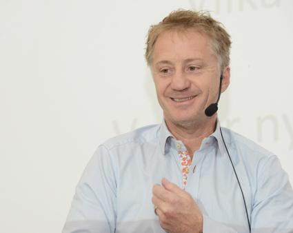 Fredrik Helgesson, Rese-Konsulterna.
