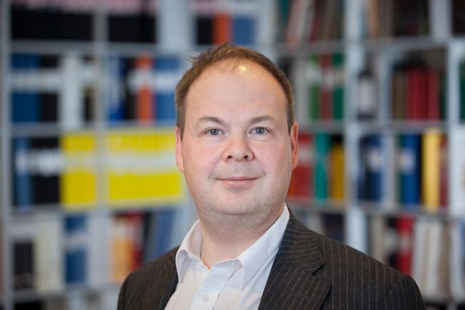 Det vore förödande om landstingets trafikförvaltning godkände Nobinas nerskärningar. Det skulle skapa ett farligt prejudikat vid upphandlingar av kollektivtrafik, skriver Henrik Sjöholm.