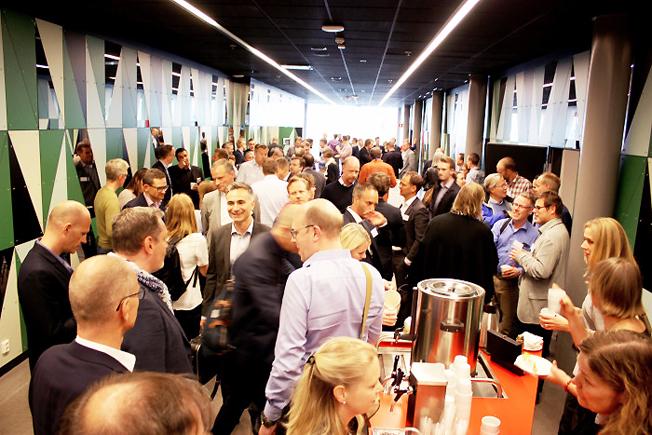 Mer än 60 företag deltog när Västtrafik arrangerade ett första möte om nya, smarta tjänster i kollektivtrafiken.