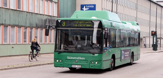 Linje 3 i Malmö, Ringlinjen, är en av de första busslinjerna i staden som ska elektrifieras. På sikt ska all busstrafik i Malmö bli elektrisk. Foto: Ulo Maasing.