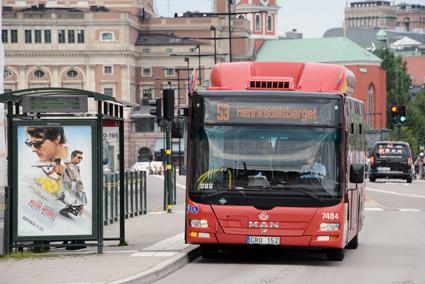 Sju stockholmare av tio vill ge busstrafiken mer utrymme på gatorna. Foto: Ulo Maasing.