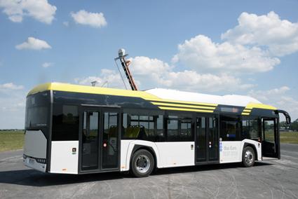 Nya Solaris Urbino Electric med pantografen uppfälld.