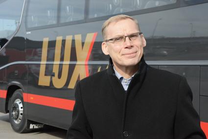 """Hugo Osula är vd och ägare till Mootor Grupp där Lux Express ingår: """"Vi satsar på att vinna över bilister till bussen""""."""