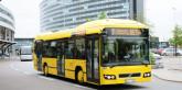 En av Swedavias gula hybridbussar på Arlanda. Swedavia var tidigt ute med att satsa på hybrider. Om något år börjar man ställa om till elbussar. Foto: Ulo Maasing.