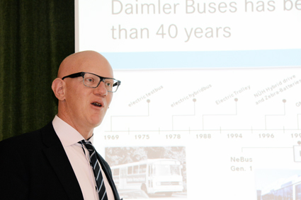 Daimler har arbetat i drygt 40 år med att utveckla elektromobilitet, framhöll Thomas Tonger. Foto: Ulo MAasing.