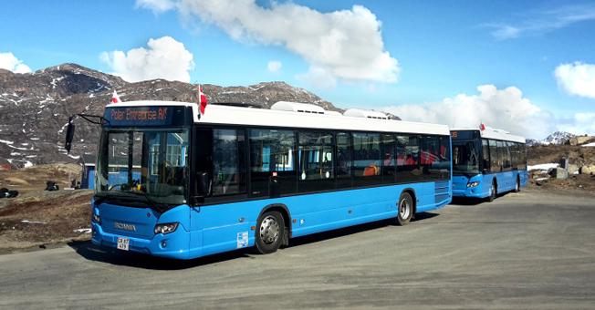 Historiskt. Scania har levererat sina första nya bussar någonsin till Grönland. Foto: Scania.