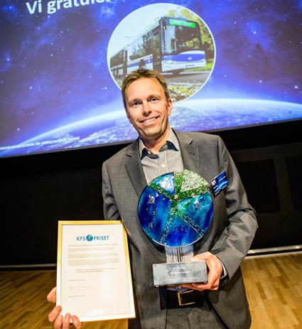 Peter Liss, vd för Västerås Lokaltrafik, tog på onsdagskvällen emot KFS-priset för företagets arbete med bland annat mångfald och jämställdhet. Foto: KFS.