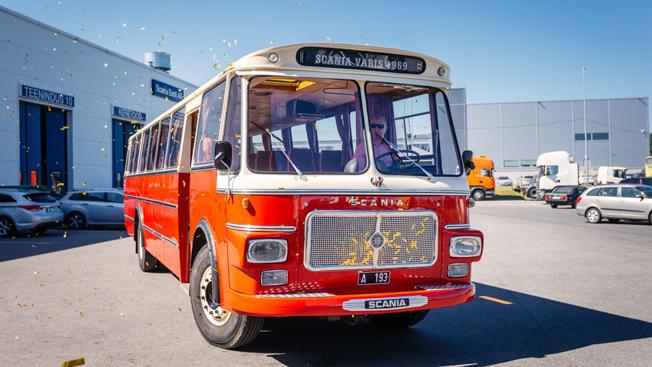 Skrotfärdig veteran blev som ny. Samtliga bilder i anslutning till den här artikeln: Scania Eesti.