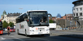 Swebus sätter från torsdagen in fjorton nya Mercedes-Benz Tourismo, i första hand på linjen Stockholm - Göteborg. Samtidigt sjunker medelåldern på företagets bussar till 1,5 år. Foto: Ulo Maasing.