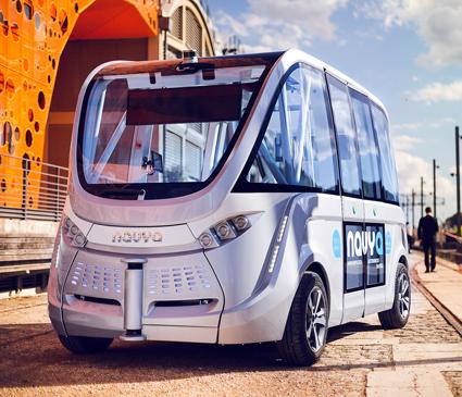 Små, förarlösa bussar från franska Navya ska transportera bilister till terminalen på Ålborgs flygplats. Foto: Navya.