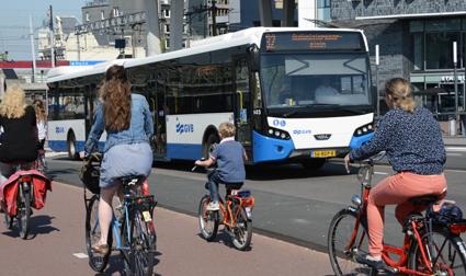 I Amsterdam görs 50 procent av alla resor med cykel. I Stockholm, men även i en stad som Karlstad har cyklisterna gått över till kollektivtrafik, sa KTH-forskaren Maria Börjesson. Foto: Ulo Maasing.