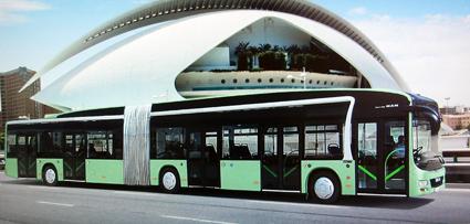 Den elbuss som MAN predsenterar på IAA i HJannover bygger ppå välkända stadsbussen Lion´s City och kommer också att lanseras som 18-meter ledbuss.