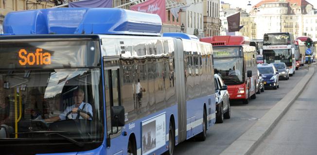 Trängsel på Skeppsbronm i Stockholm. Efter sommaren planerar Kommunal en aktion i Stockholm för att bussförarna ska få tio minuters rast i pauslokal när de har kört i 2,5 timmar. Foto: Ulo Maasing.