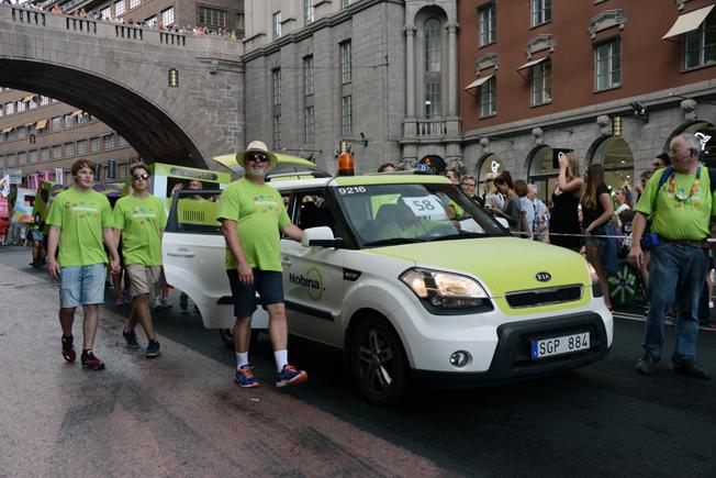 Nobina hade också en trafikledarbil i paraden.