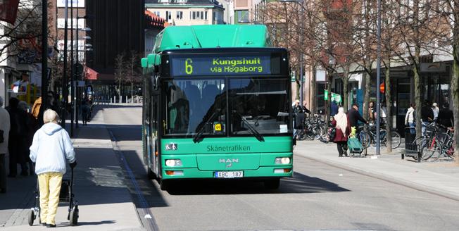 Nobina ska renovera samtliga stadsbussar i Helsingborg för att göra dem mer attraktiva. Foto: Ulo Maasing.