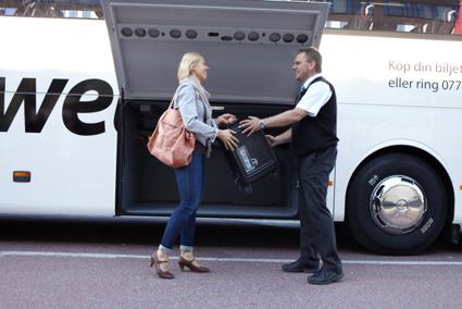Nu kan resenärer checka in värdefullt bagage i låst utrymme på Swebus. Foto: Swebus.