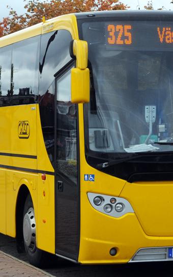 Många tonårstjejer knner sig otrygga när de reser med kollektivtrafiken. Arkivbild: Ulo Maasing.