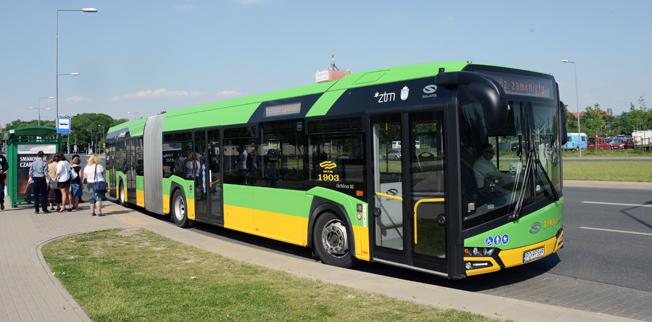 En Solaris ledbuss i den polska staden Poznan. Unibuss i Oslo har beställt 75 18,75-meters ledbussar från den polska busstillverkarfen, medan Nobina har beställt 24 normallånga stadsbussar. Foto: Ulo Maasing.
