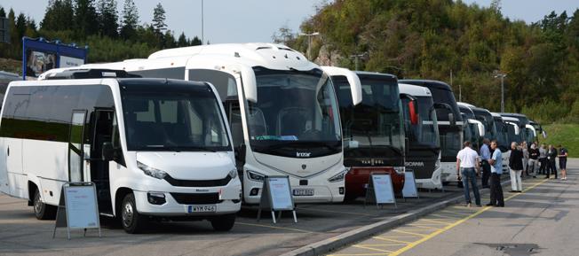 Busstillverkarna fanns på plats med tretton bussar för visning och provkörning. Foto: Ulo Maasing.